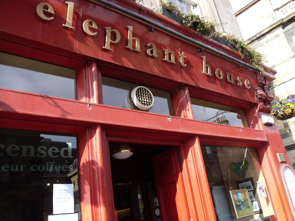 The Elephant house foto by Laura Gargiulo